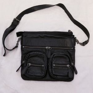Leibeskind 'Anny' Black Leather Messenger Bag